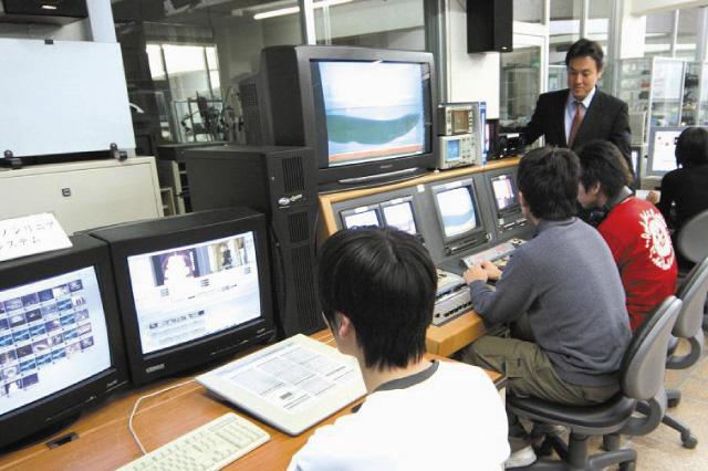 関西テレビ電気専門学校画像