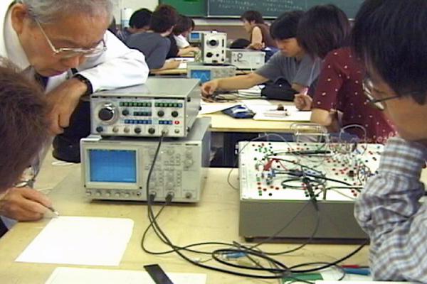 電子実習設備