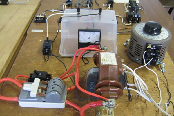 電気実習設備