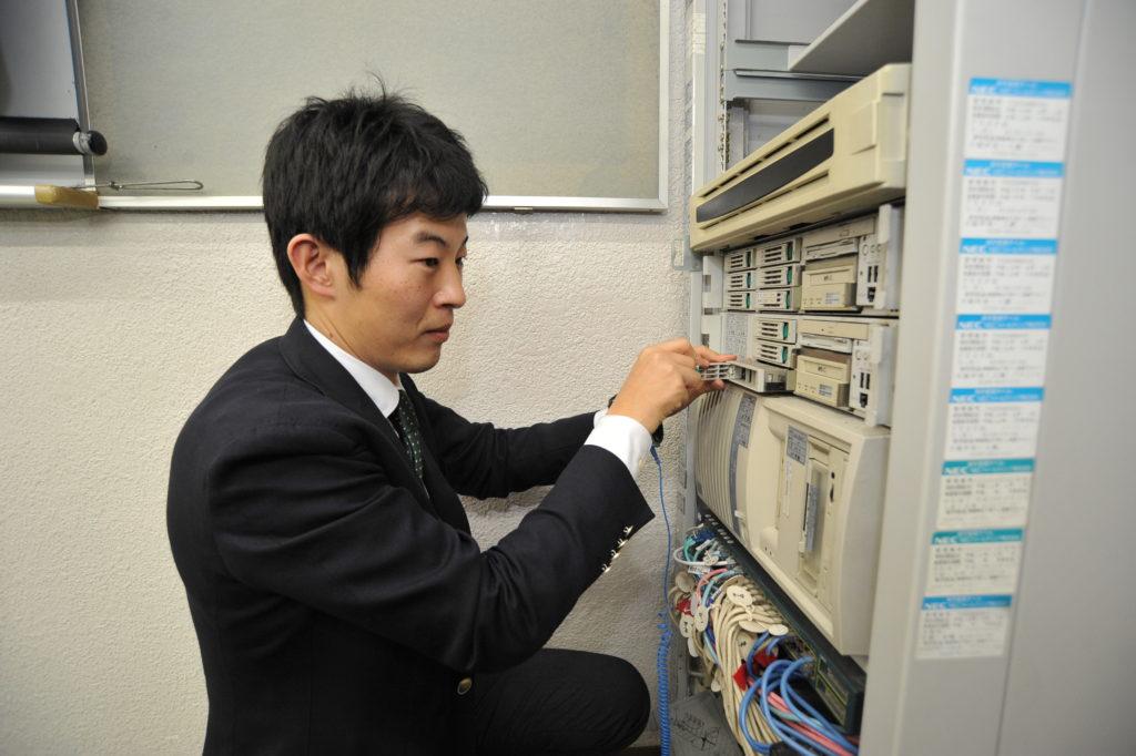 電気・通信・無線の3分野の国家資格を在学中にもらえるカリキュラムは、本校だけの魅力!!